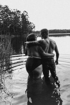 Fotografije zaročenega para osvojile internet