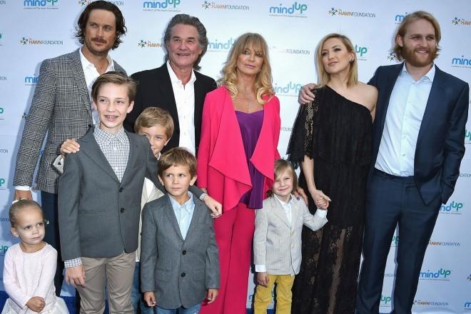 Kate s širšo družino