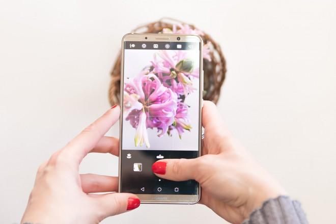 Tudi Huawei Mate 10 Pro se lahko pohvali z umetno inteligenco.