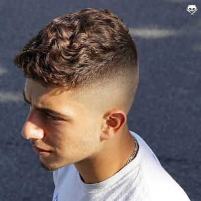 Kratki kodrasti lasje