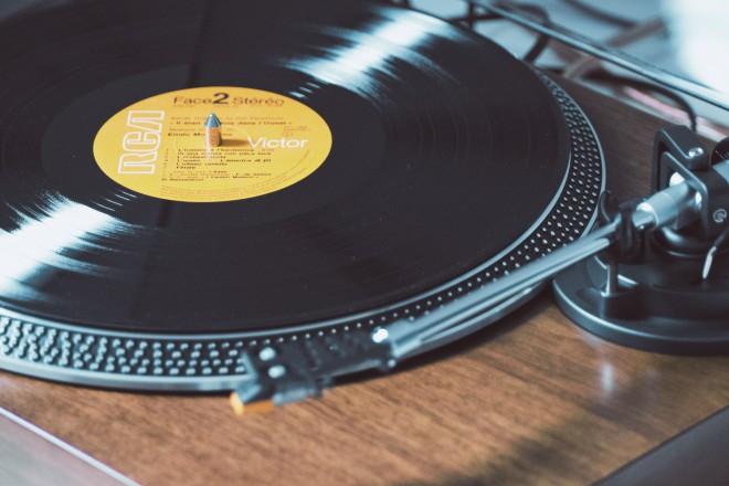 Gramofon in gramofonska plošča