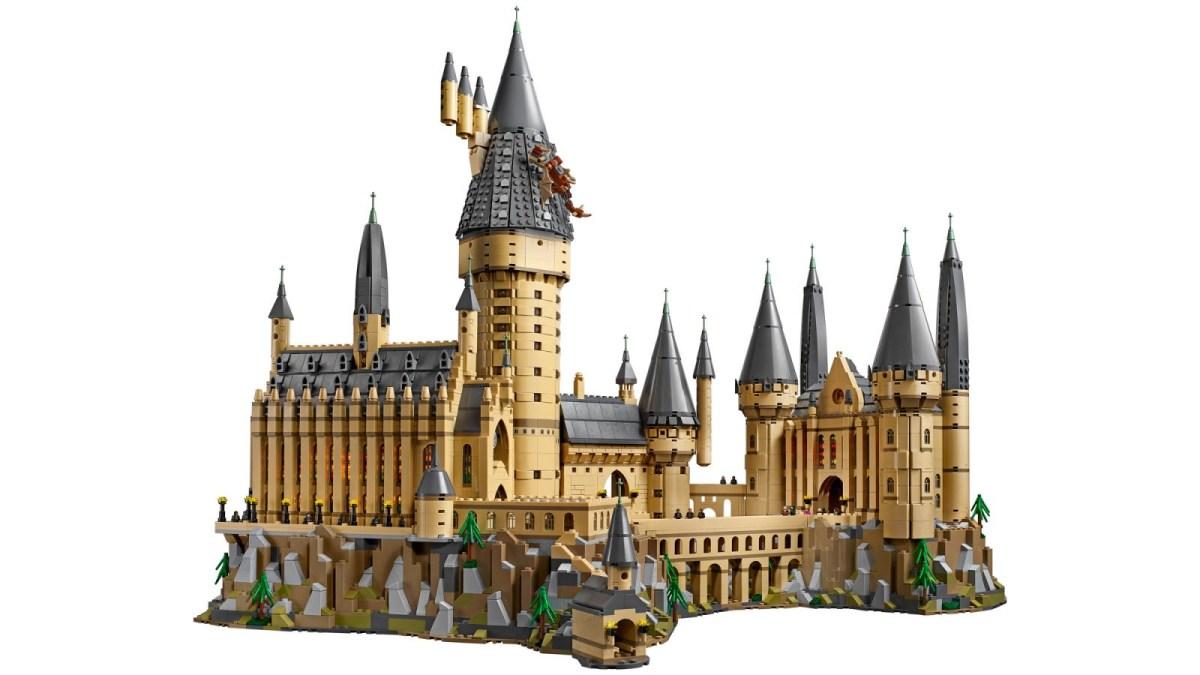 Grad je sestavljen iz 6020 kock.