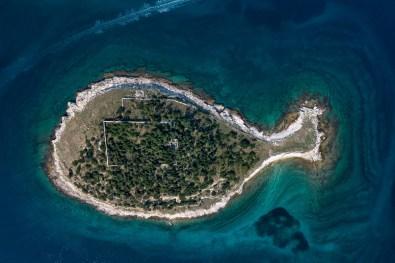 Otok na Hrvaškem v obliki ribe