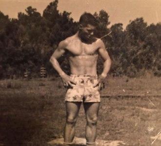 """""""Moj dedek je na tej fotografiji isto star kot jaz zdaj. Počutim se grozno."""""""