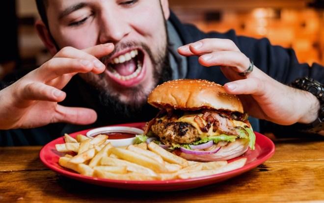 34 % jih je priznalo, da so vsakič jedli meso.