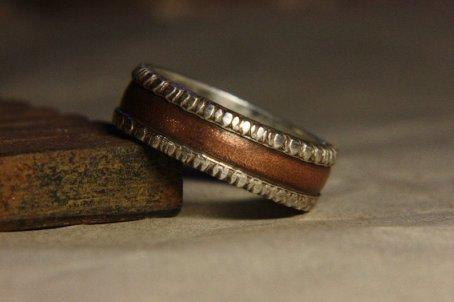 Prstan iz srebra in bakra, IrinisWorld; 238,16 evra