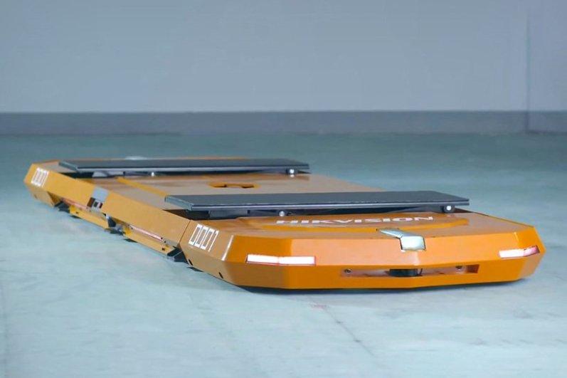 Parkirni robot Hikvision
