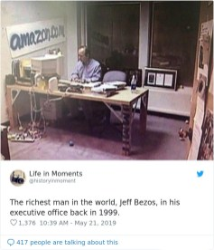 Najbogatejši človek na svetu, Jeff Bezos, v svoji pisarni leta 1999.
