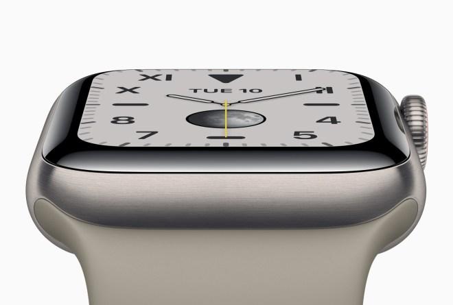Apple Watch serije 5 v novem ohišju iz titana