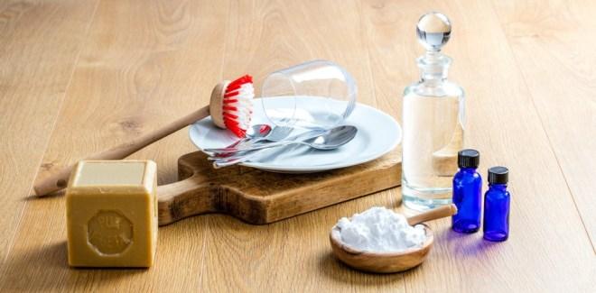 Domači detergent za pomivanje posode ne vsebuje kemikalij!