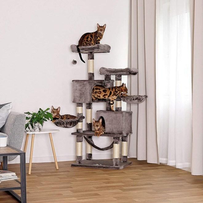 Drevo/hiška za mačke
