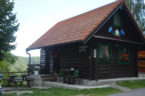 Jelenov breg pod Matajurjem (Foto: Booking.com)