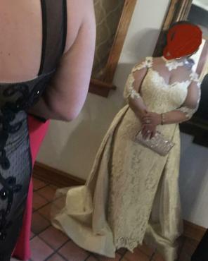 Gospa v poročni obleki pravzaprav ni nevesta … / Foto: Reddit