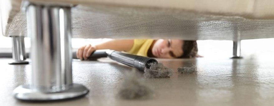 Støvsuge under sofa