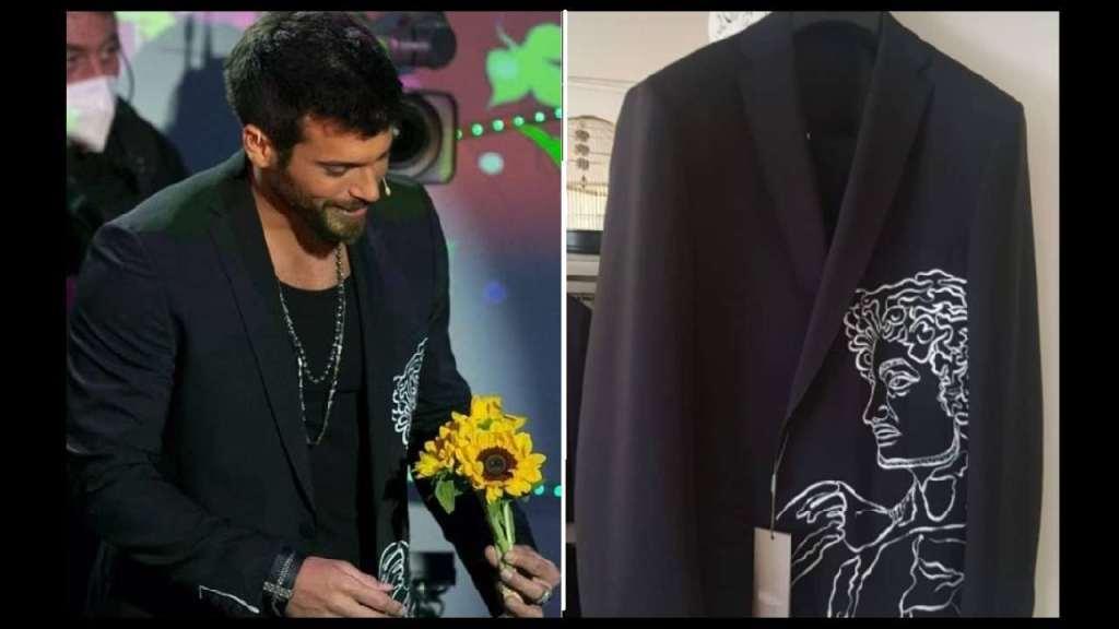 can-yaman:-costo,-marca-e-dettagli-della-giacca-indossata-a-c'e-posta-per-te