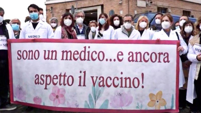 """roma,-la-denuncia-dei-medici-liberi-professionisti:-""""noi-esclusi-dalla-vaccinazione-prioritaria-contro-il-covid,-ci-sentiamo-di-serie-b""""-–-video"""