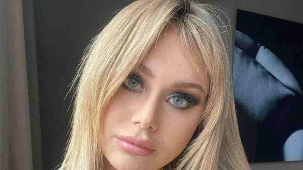 albano,-la-figlia-jasmine-nella-bufera-pubblica-alcune-foto-e-il-web-si-rivolta