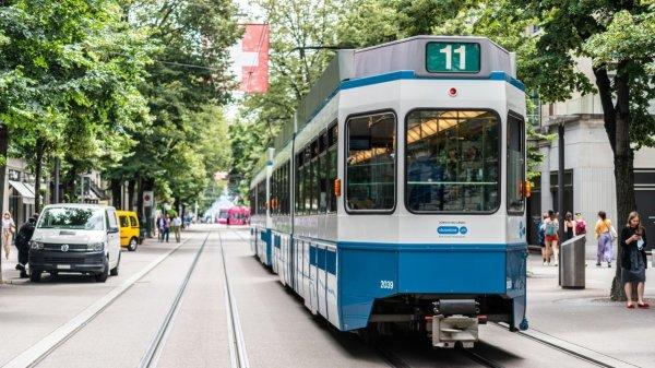 investito-da-un-tram,-morto-un-pedone