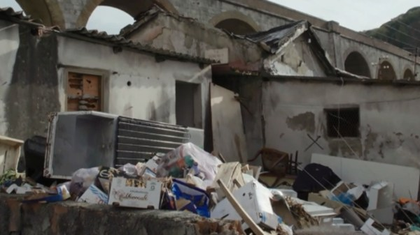 le-iene,-favelas-a-messina:-orrore-e-degrado-assoluto-in-sicilia,-quello-che-non-ci-mostrano-|-video