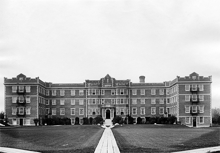 University of Alberta - Athabasca Hall c. 1921. Image courtesy of the City of Edmonton Archives EA-10-940.