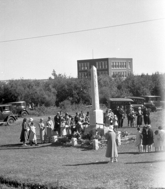 Beverly Cenotaph - Memorial Service in 1933. Image Courtesy of the City of Edmonton Archives EA-160-1168.