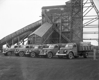 Beverly Coal Company, 1937. City of Edmonton Archives, EA-160-218. Photo by Hubert Hollingworth.