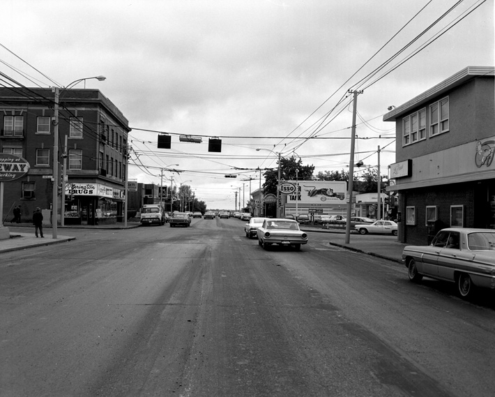 124th Street and 102nd Avenue, looking south, 1960. City of Edmonton Archives, EA-275-49.
