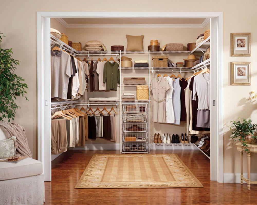 Chi vuole realizzare una cabina armadio entro il perimetro della propria camera, può anche optare per una camera da letto moderna con cabina armadio in cartongesso. Come Ricavare Una Cabina Armadio In Camera
