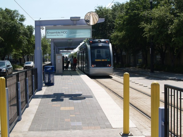 A light rail train in Houston. Credit: wordjunky, Flickr