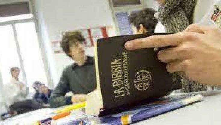 scuola,-chi-ha-una-laurea-in-scienze-delle-religioni-potra-insegnare-storia-e-filosofia.-ma-e-polemica