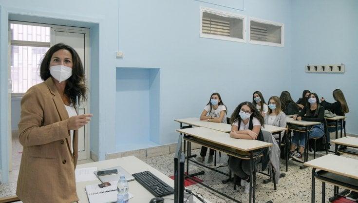 scuola,-il-piano-del-governo-per-l'addio-alla-dad:-aule-con-le-finestre-aperte-e-ginnastica-senza-mascherine