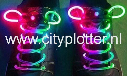 Veters met ledverlichting ledveters disco bowlen, hardlopen, kinderen, in het donker goed verlicht Cityplotter Zaandam