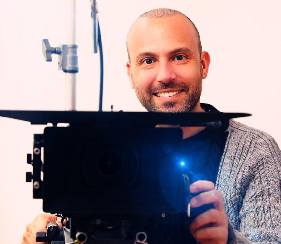 Max regista copia