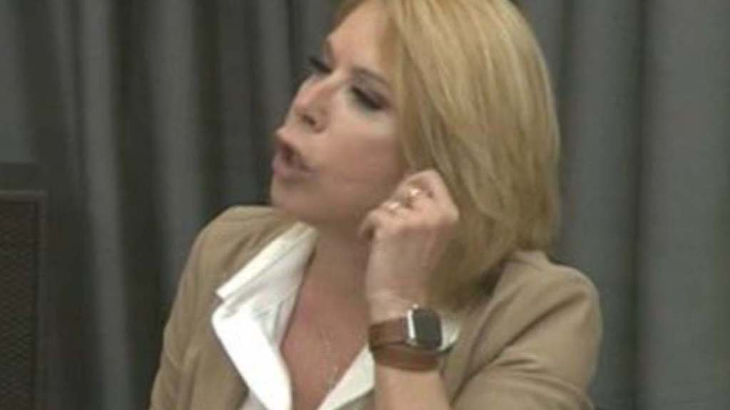 """amici-20,-anna-pettinelli-furiosa-contro-aka7even:-""""sei-ciuccio-e-presuntuoso"""""""