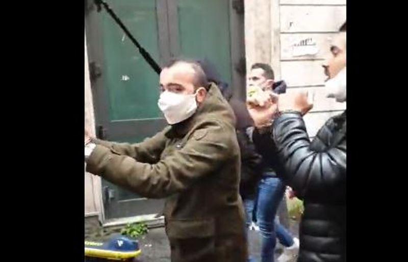 """protesta-io-apro,-a-roma-e-gia-pieno-di-gente!-manifestanti-con-le-manette:-""""non-siamo-violenti,-vogliamo-solo-lavorare"""""""