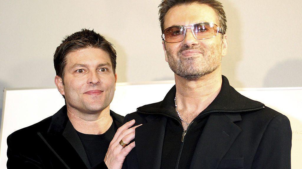 l'ex-di-george-michael-la-spunta-sull'eredita-del-cantante,-vitalizio-d'oro-per-kenny-goss