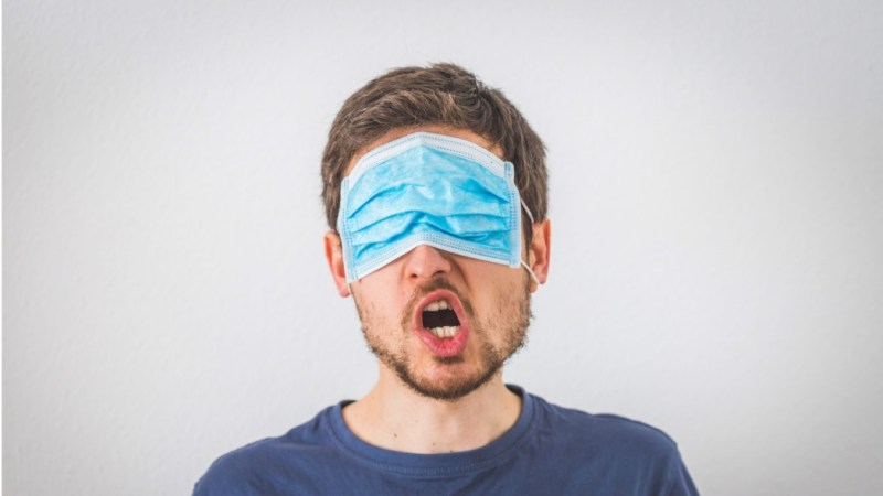 se-anche-l'informazione-ha-la-mascherina