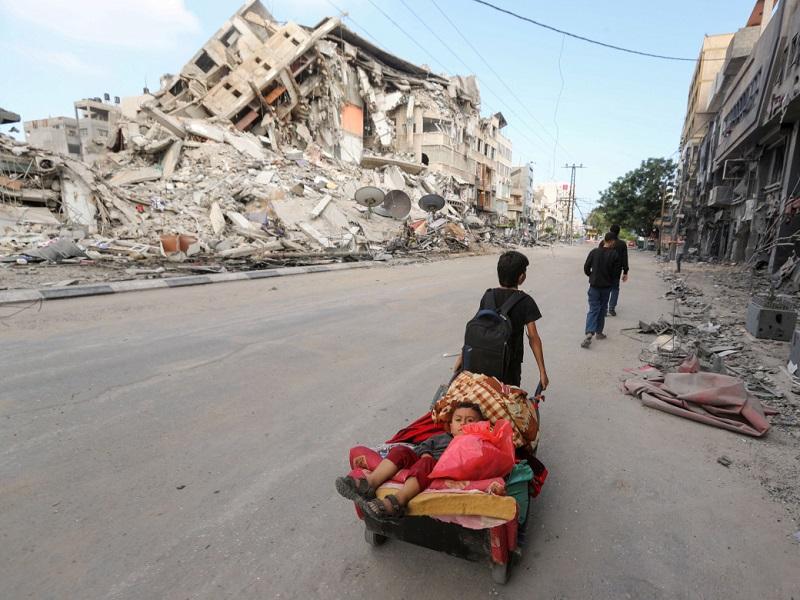 guerra-a-gaza:-droni-bomba-e-tweet-strategici-militari-il-bilancio-parla-chiaro:-oltre-30-bambini-morti.