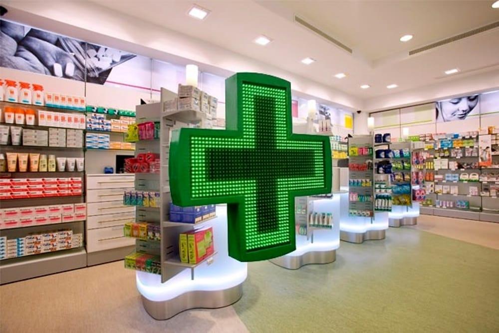 vaccini,-da-ieri-possibile-farlo-in-farmacia.