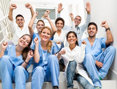 professioni-sanitarie-non-mediche-e-operatori-di-supporto:-quante-e-quali-categorie-ci-sono-in-italia?