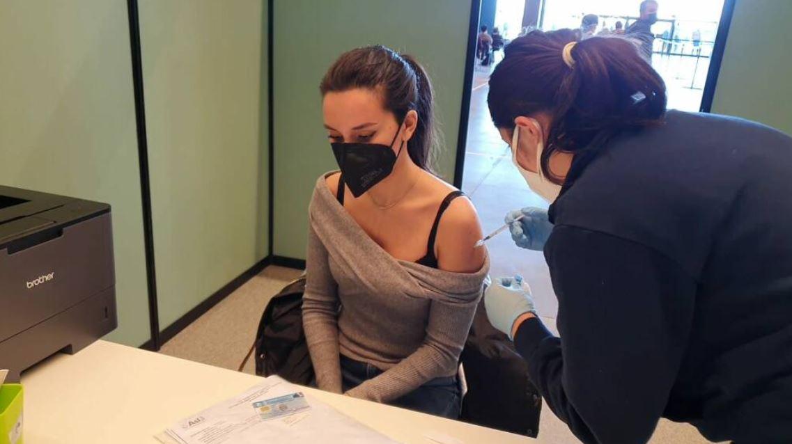 vaccino,-la-grande-fuga-dall'open-day-in-liguria:-in-una-settimana-6mila-disdette