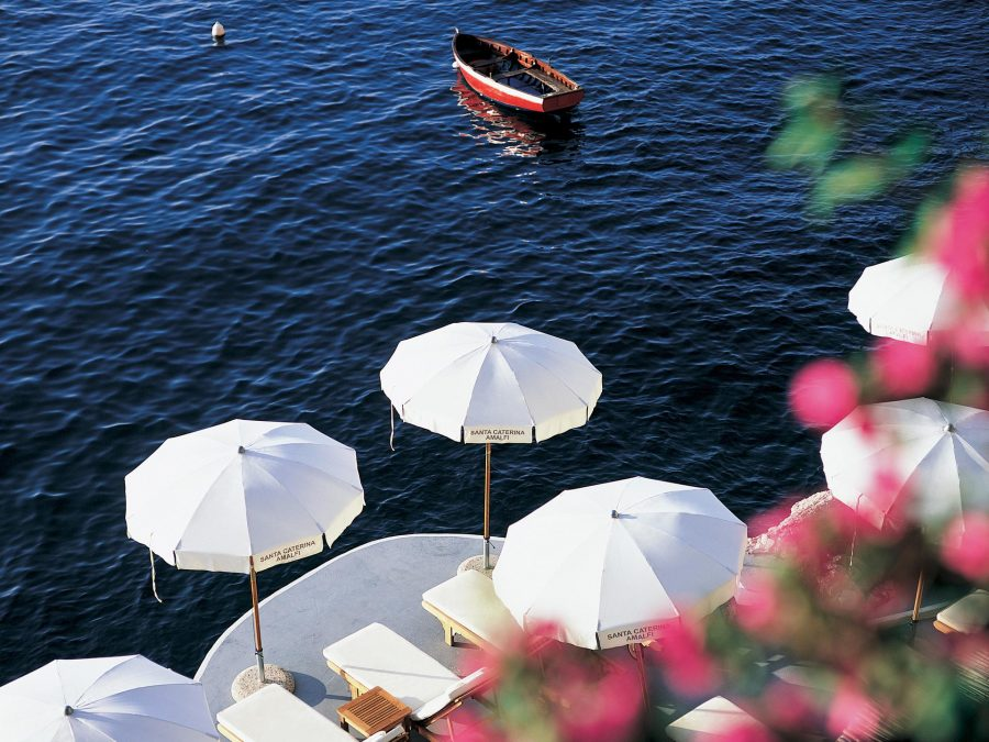 una-vacanza-da-sogno-in-barca-lungo-la-costiera-amalfitana