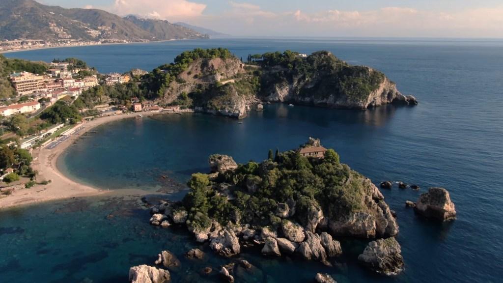 """""""ecco-le-spiagge-piu-belle-della-sicilia-orientale"""":-taormina-stupisce-greenme,-ma-in-provincia-di-messina-selezionate-altre-3-localita"""