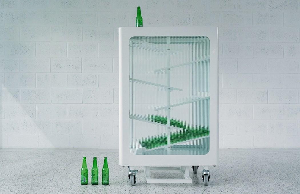 la-stazione-per-il-riciclo-del-vetro,-in-vetro