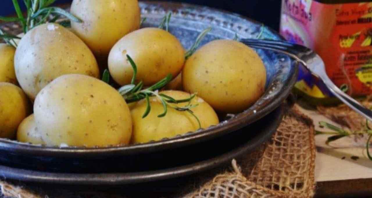 arricchisci-cosi-la-tua-insalata-di-patate:-piatto-estivo-per-eccellenza,-ma-con-questo-tocco-e-irresistibile!