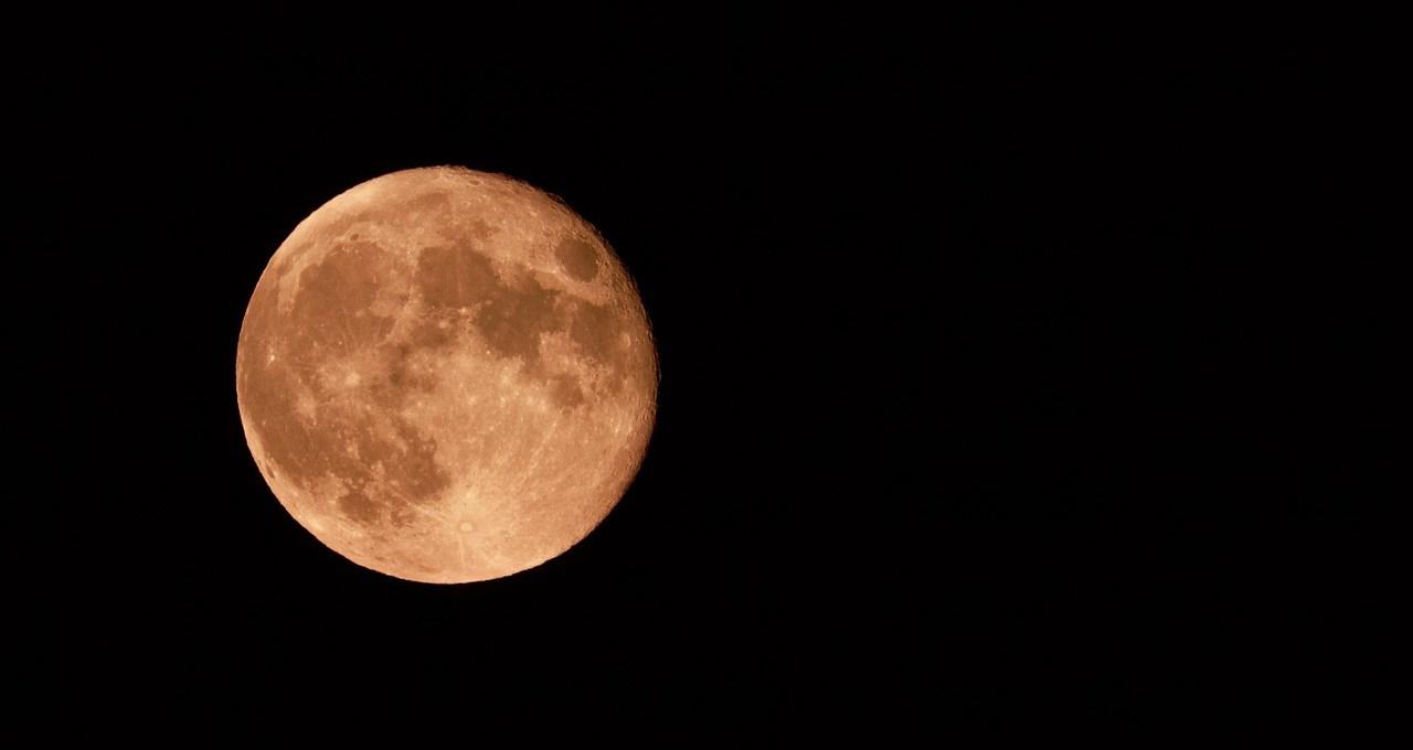 sta-arrivando-l'ultima-superluna-dell'anno