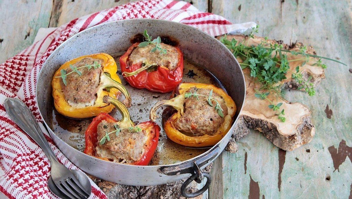 peperoni-ripieni-di-carne-e-erbe-aromatiche