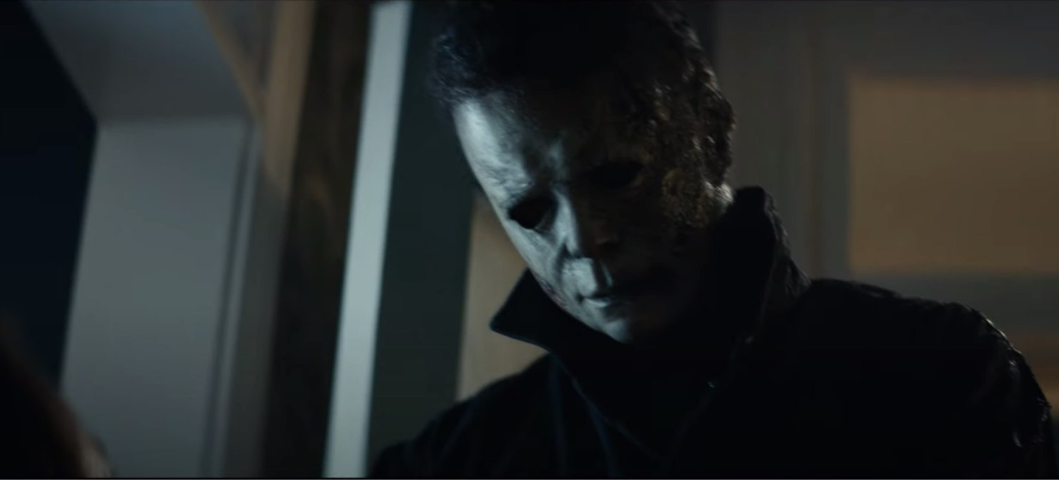 'halloween-kills'-trailer-sees-laurie-strode-form-a-mob-to-take-down-michael-myers