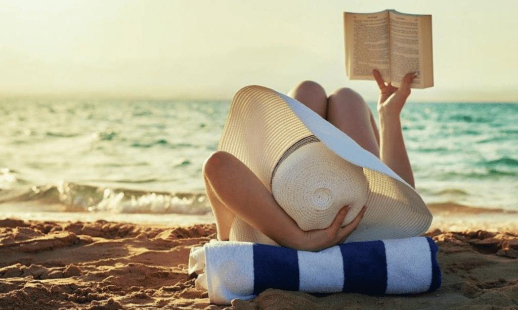 i-libri-per-l'estate-che-ti-cambieranno-la-vita.-i-titoli-imperdibili-da-leggere-sotto-l'ombrellone