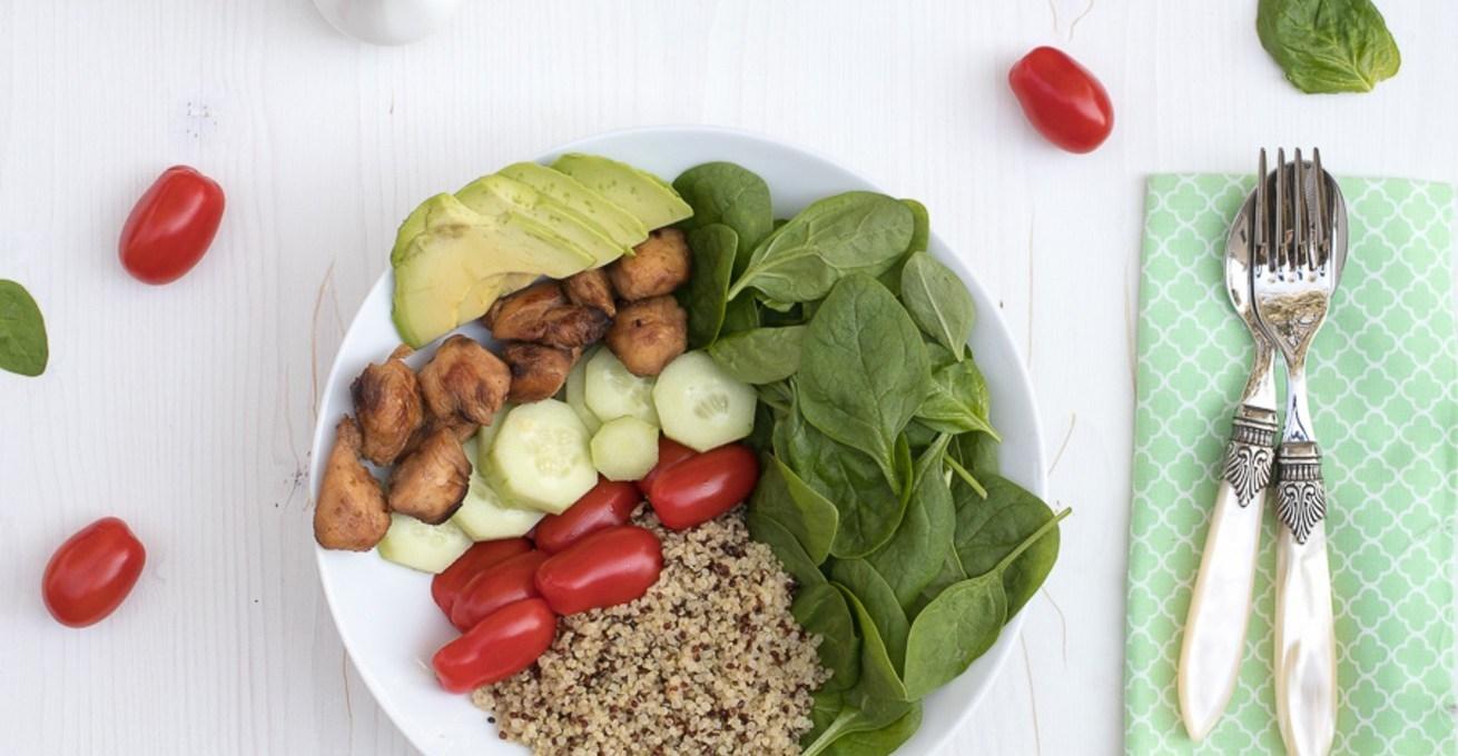 insalata-di-quinoa-con-pollo-e-verdure